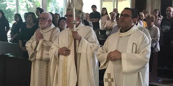 El diumenge 8 de setembre Mons. Saiz Meneses va presidir la Missa a la parròquia de Santa Maria de Rubí
