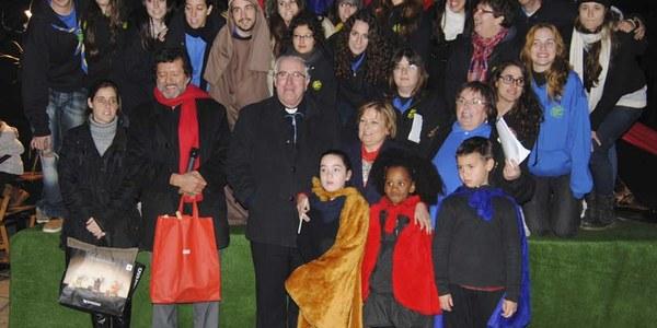 Mons. Saiz Meneses assisteix al Pessebre Vivent al Roser de Cerdanyola