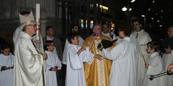 Mons. Saiz Meneses felicita la Pasqua als seus diocesans