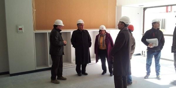 Mons. Saiz Meneses visita les obres de l'escola La Salut