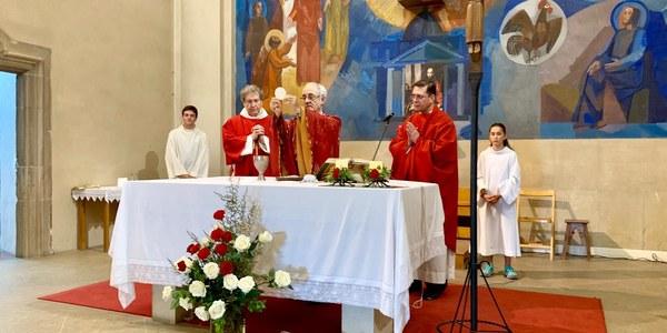 Mons. Salvador Cristau presideix la Missa de festa major a la parròquia de St. Pere i St. Pau de Bigues.