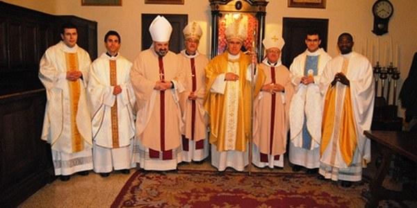 Quatre nous preveres al servei de la diòcesi