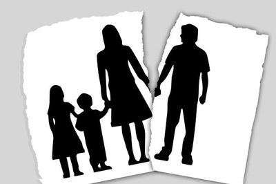 family-3090056_640.jpg