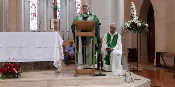 Mons Saiz Meneses celebra en el Tibidabo