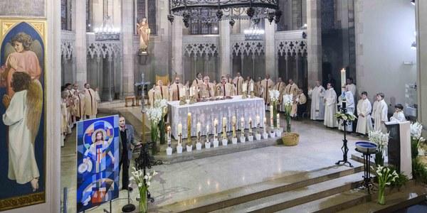 Mons. Saiz Meneses preside  el Aplec Pasqual en Sabadell